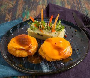 sarabistro-Snitel-parmegiano-cu-cartofi-zdrobiti