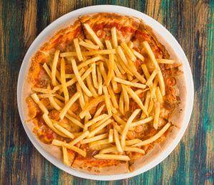 sarabistro-pizza-chips-cartofi-prajiti-sos-de-rosii-mozzarella